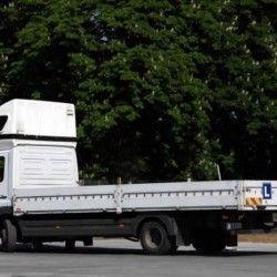 nauka jazdy samochodem ciężarowym