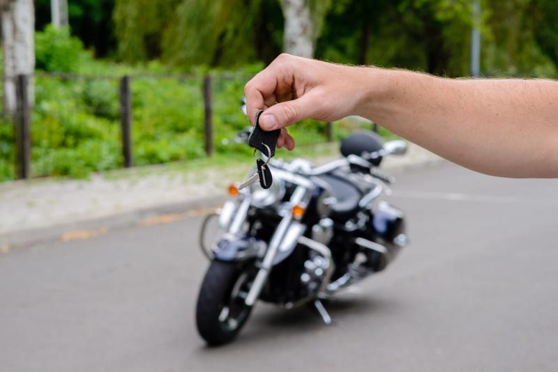 Jak zdobyć prawo jazdy na motocykl?