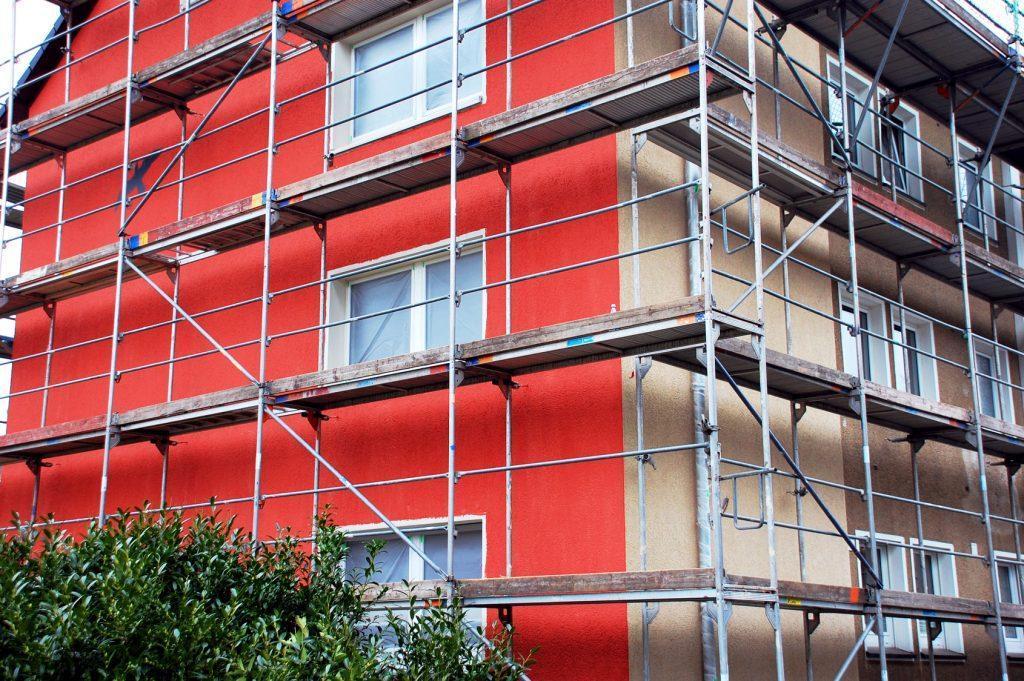 montażyści rusztowań budowlano - montażowych metalowych