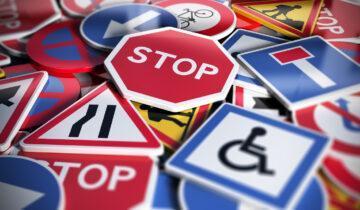 Jak czytać znaki drogowe i się w nich nie pogubić?